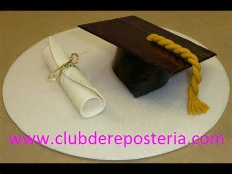 pergaminos para grado birrete y diploma con pastillaje para decorar una torta de