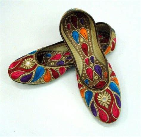 Sepatu Mojari Made In India 1000 images about rajasthani mojari on