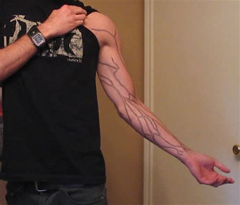 hand tattoo veins 13 creepiest anatomical tattoos strange tattoos oddee