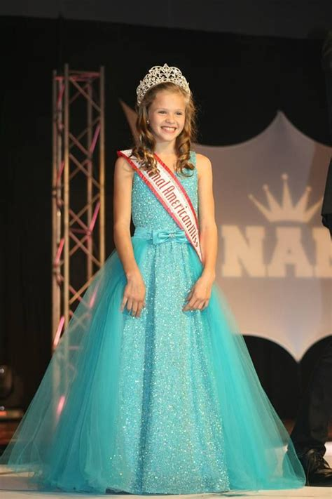 formal fashions pageant on pinterest 35 pins joey mcdowell in her beautiful evening gown during the