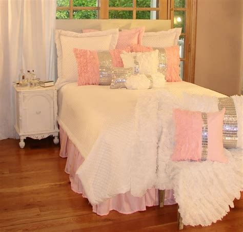 girls bedroom bedding 1000 ideas about pink girl rooms on pinterest girl