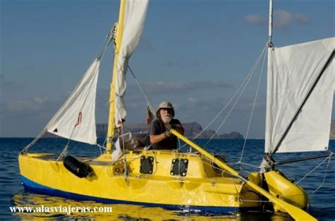 smallest catamaran to sail around the world blog la vuelta al mundo en un invento de velero