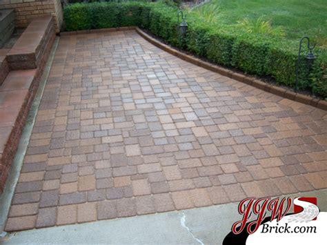 paver walkway designs landscape traditional with brick paver designs brick beeyoutifullife com