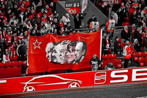 liverpool couch file liverpool coaches banner jpg wikimedia commons