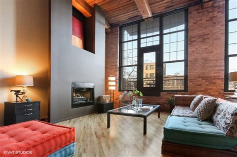 living in 1000 square feet triplex loft at 1000 w washington listed for 1 million