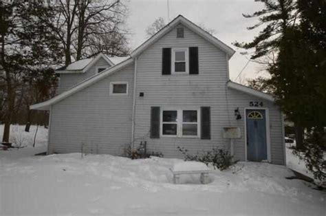 524 ave petoskey michigan 49770 reo home