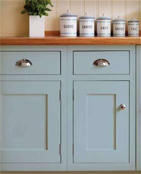 shaker style cabinet door pulls i love the simplicity of these shaker style doors the
