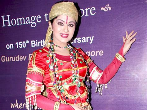 biography of famous handicapped person quot naagin 2 quot sudha chandran to quit naagin whatshottoday
