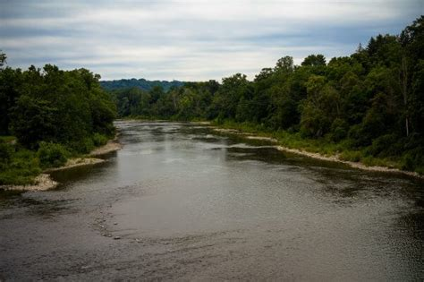 thames river ontario farmers taking measures to clean up ontario water