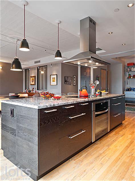 The kitchen island workbar features an electrolux icon designer series