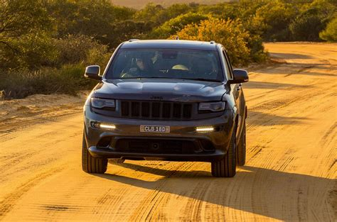 australian outback jeep jeep grand cherokee srt 468bhp hemi v8 ventures into the
