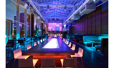 chicago roof top bars pictures chicago s best rooftop bars open year round dujour