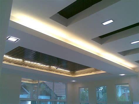 Ceiling L In by Plaster Ceiling