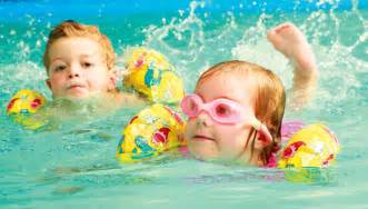 tips to initiate your toddler into swimming baby couture