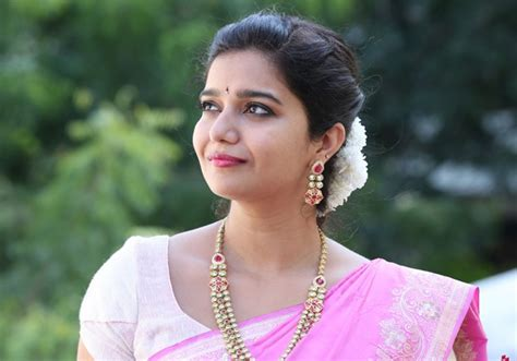 telugu cinema heroine photos come swathi movie offers in tollywood swathi missing from