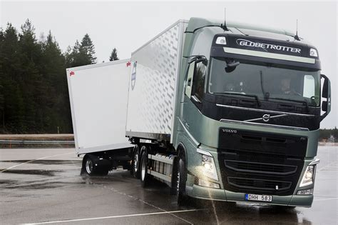 trailer volvo volvo trucks quot stretch brake quot increases braking safety for