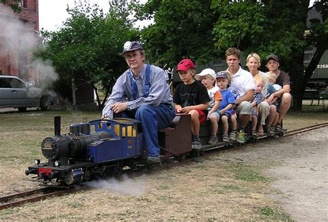 backyard trains you can ride file livesteamtrain jpg wikimedia commons