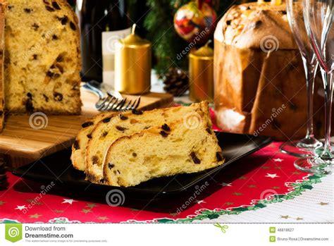 italienischer kuchen panettone italienischer weihnachtskuchen nannte panettone stockfoto
