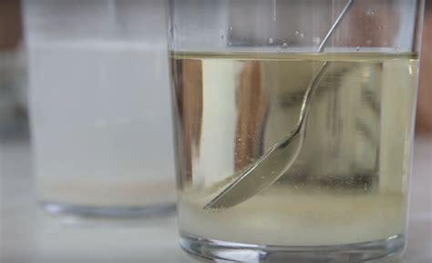 experimento agua con sal mezcla de agua y harina y aceite y sal