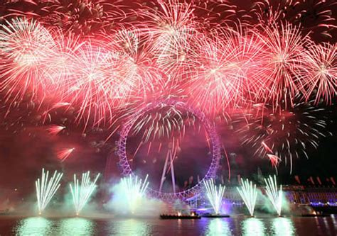 thames river cruise new years eve reviews new year s eve fireworks and dinner cruise london