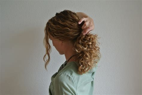 thin and slight curly pony hairstyles how to style a bun justcurly com