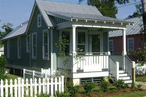 katrina cottage cottage style house plan 2 beds 1 baths 672 sq ft plan