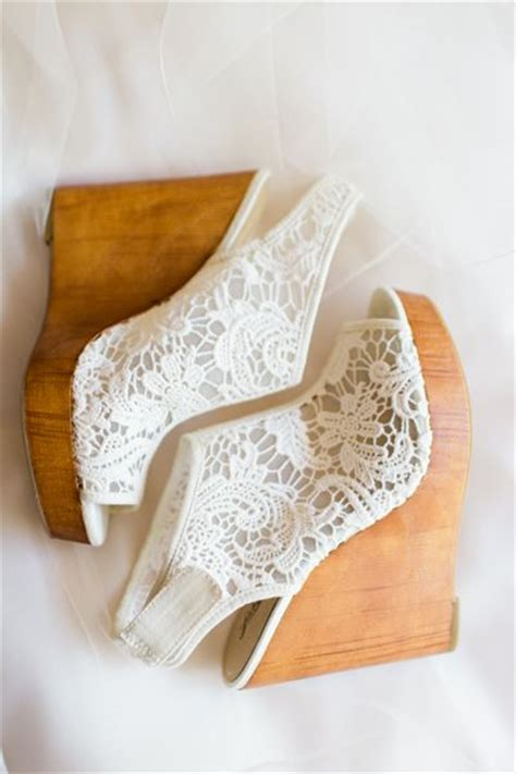 Lace Wedge Bridal Shoes by Best 25 Lace Wedges Ideas On Wedding Shoes