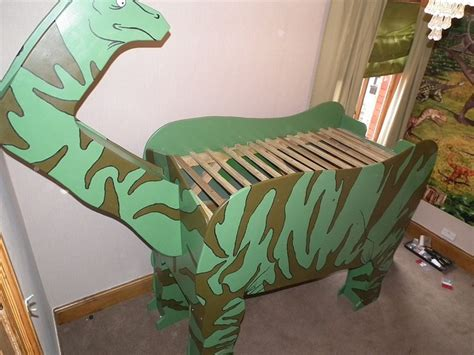 Dinosaur Themed Bedroom by Dinosaur Bed Dinosaur Themed Bedroom Decor