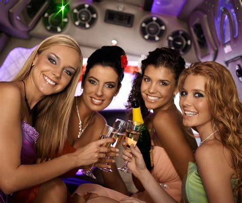 Good Best Cities For Bachelorette Parties #5: Girls_party_bus.jpg