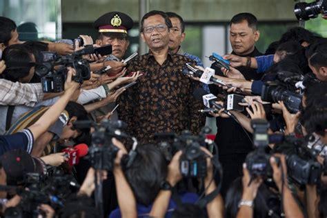 Politik Hukum Di Indonesia Mohmahfud Md satu harapan mahfud md dari rakyat oleh elite untuk elite
