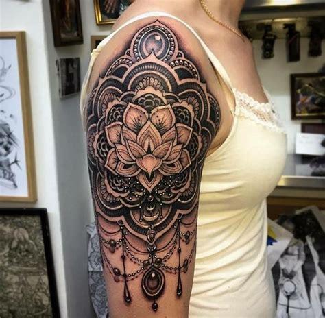 Tattoo Mandala Vrouw | 25 unieke idee 235 n over vrouwen schouder tatoeages op