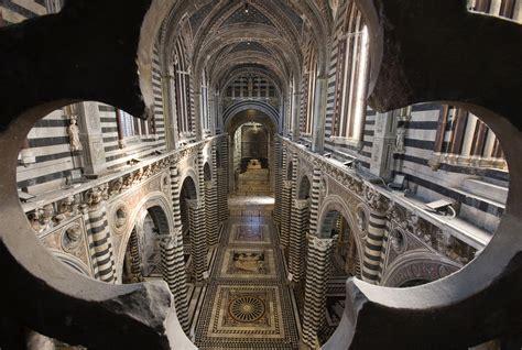 siena cattedrale pavimento duomo di siena riapre la porta cielo