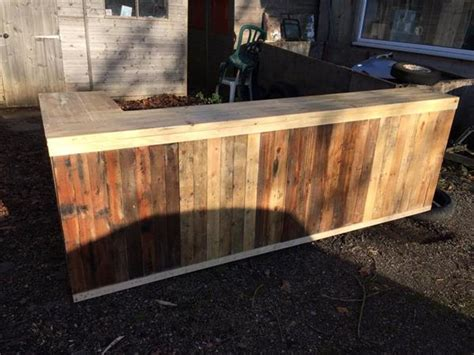 Building A Wood Bar Top by Diy Pallet L Shape Desk Counter And Bar Table 99 Pallets