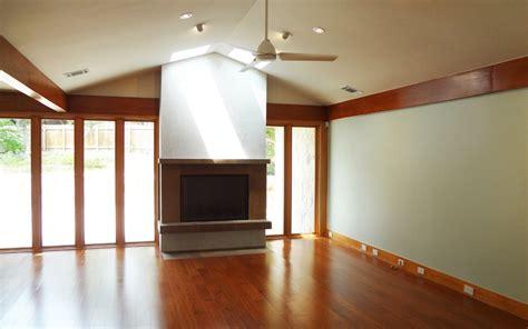 Disenar Interiores dise 241 o de casa rural peque 241 a fachada e interiores
