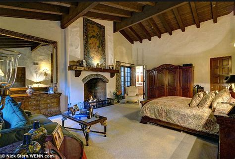 bedrooms of the rich and famous johnny depp buys vanessa paradis 4 4million hollywood