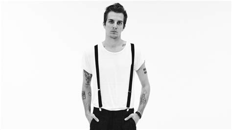 John O' Callaghan Satisfies Our Sweet Tooth With The Maine ... Listen To Ipod