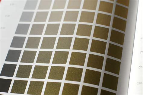 Gold Farbe Mischen by Offsetdruckerei