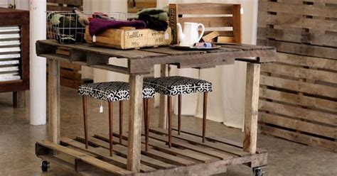 pallet board kitchen island i this use of pallets smaller painted version would make a cool kitchen island