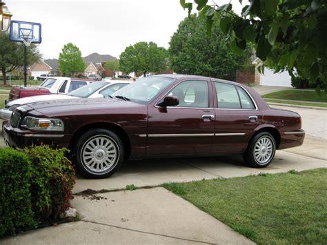 mercury grand marquis sedan cars com overview cars com 2008 mercury grand marquis overview cargurus