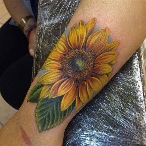 realistic sunflower tattoo best realistic sunflower on right back shoulder