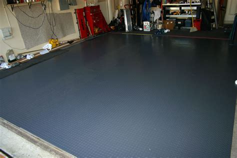 Garage floors ? interlocking pvc floor tiles and mats for