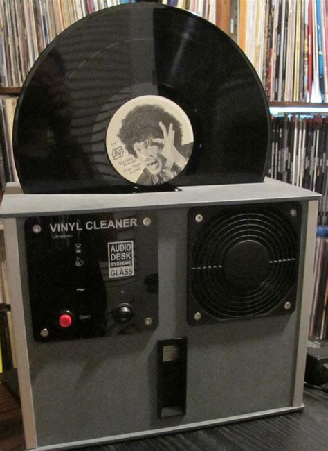 michael fremer it s a vinyl world the world s best record cleaning machine analog planet