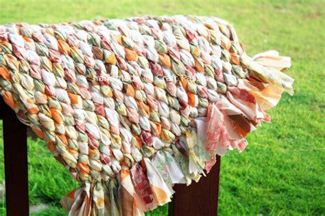 make your own rag rug savvy housekeeping 187 how to make a rag rug