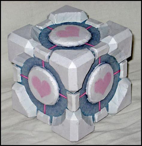 Companion Cube Papercraft - weighted companion cube by makenxxx on deviantart
