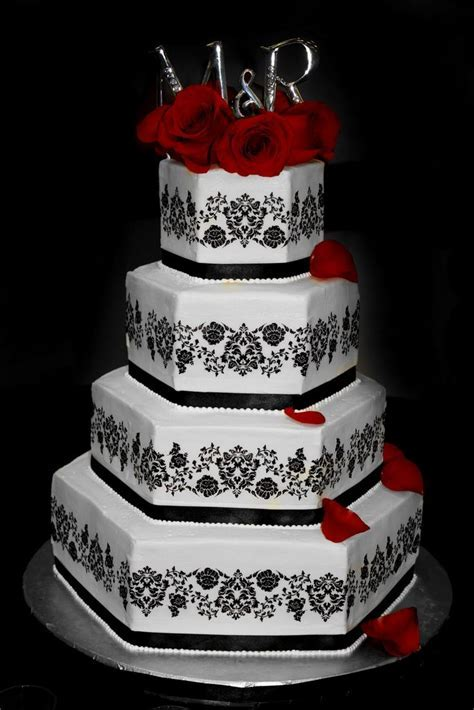 Best 25  Damask wedding cakes ideas on Pinterest   Damask