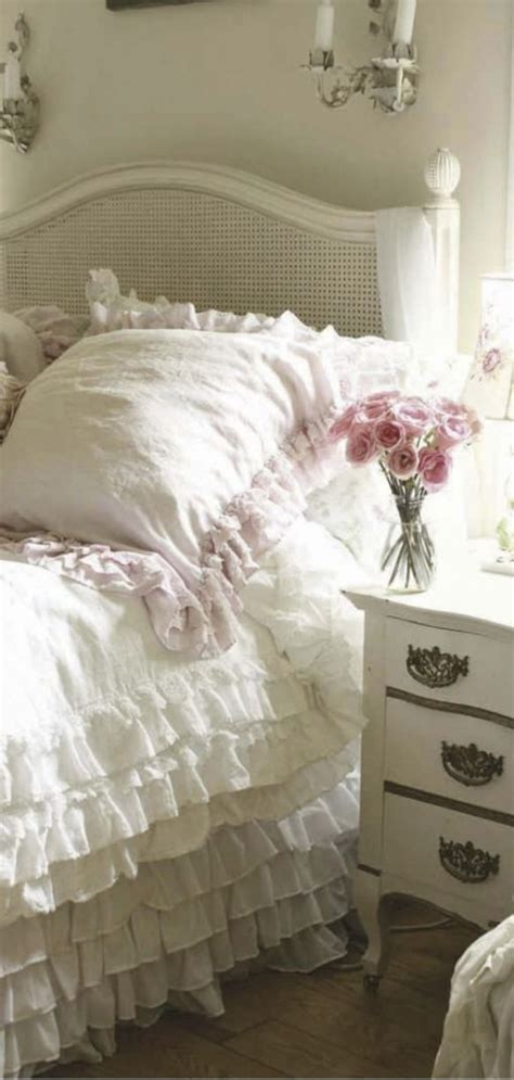 bed shabby chic decor romantic homes cozy interiors