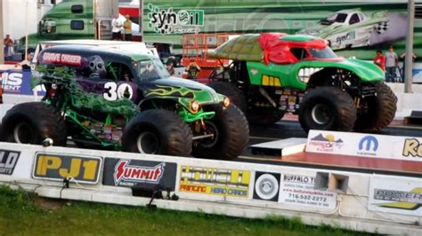 monster truck races grave digger vs teenage mutant ninja turtles monster