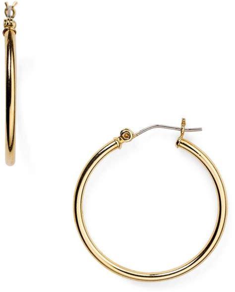 Allen Dons Gold Ribbed Hoop Earrings A La Hilary Duff by Ralph Medium Thin Hoop Earrings In Gold Lyst