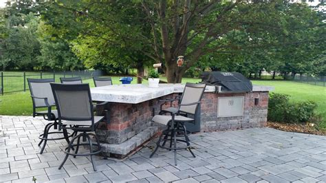 outdoor kitchens living spaces in indy