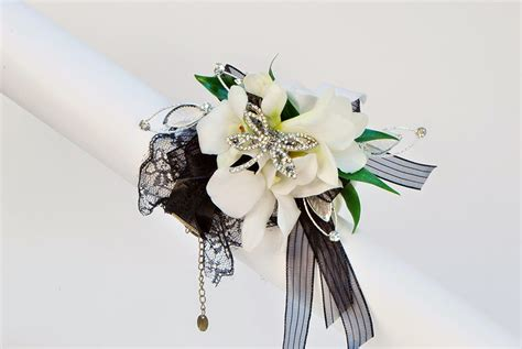 2015 prom corsage trends prom flowers on trend prom lacy illusion